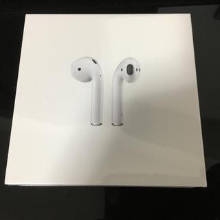 アップル(Apple)のapple  airpods 新品未使用(ヘッドフォン/イヤフォン)
