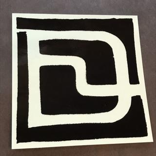ディーラックス(DEELUXE)のDEELUXE 【LOGO STICKER】黒/透明 14cm 新品正規(アクセサリー)