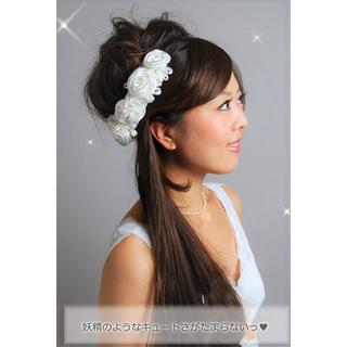 【新品、日本製】 ローズのヘッドドレス  1点もの 高品質(ウェディングドレス)