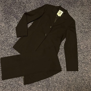 ミッシェルクラン(MICHEL KLEIN)の専用☆黒パンツスーツ+ニット帽(スーツ)