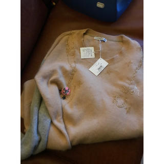 ツモリチサト(TSUMORI CHISATO)のツモリチサト ネコ ニット ビーズ 刺繍(ニット/セーター)