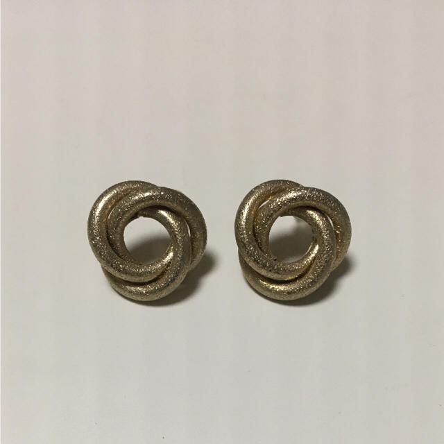 新品未使用ゴールドピアス メンズのアクセサリー(ピアス(両耳用))の商品写真