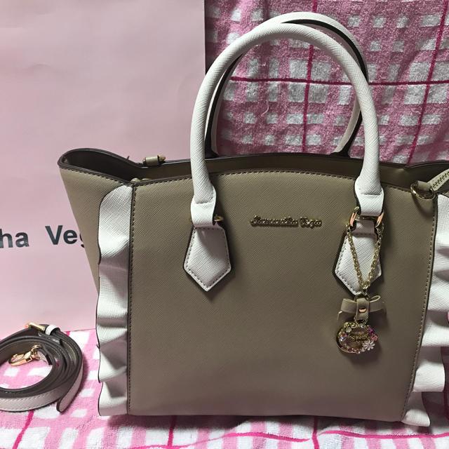 Samantha Vega(サマンサベガ)のサマンサベガ 新品 フラッター バイカラー ベージュ 白 レディースのバッグ(ハンドバッグ)の商品写真