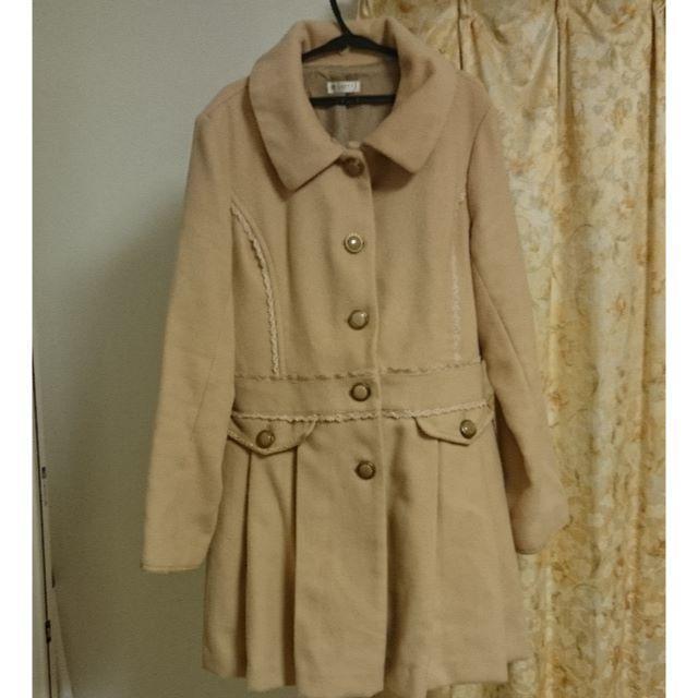 axes femme(アクシーズファム)の【美品】アウトレット限定品 axes 裾プリーツ コート ベージュ レディースのジャケット/アウター(ロングコート)の商品写真