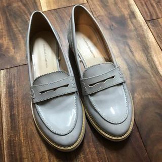 ザラ(ZARA)のZARAエナメルローファー(ローファー/革靴)