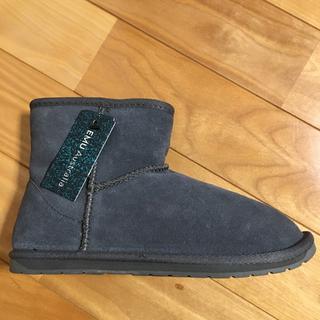 エミュー(EMU)の新品タグ付き‼︎エミュームートンブーツ(ブーツ)