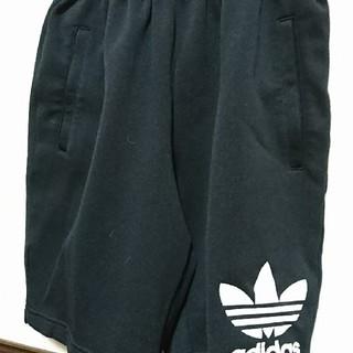 アディダス(adidas)のadidasハーフパンツ(ハーフパンツ)