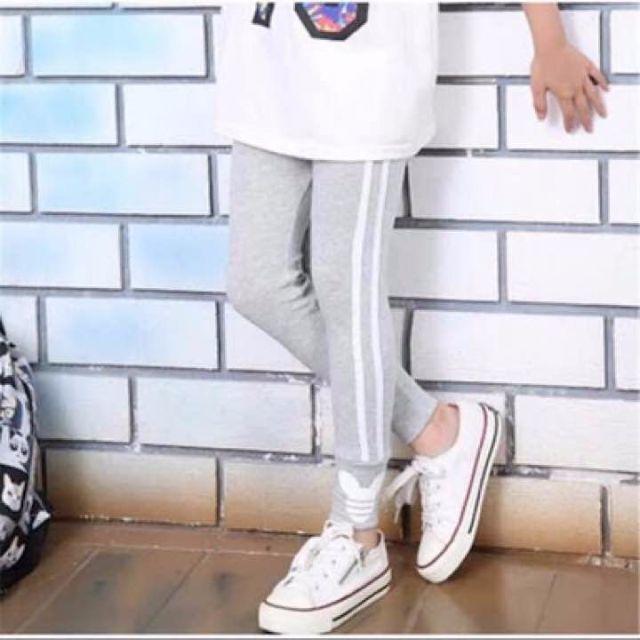 【入荷しました】ミッキー★ラインパンツ★ キッズ/ベビー/マタニティのキッズ服 女の子用(90cm~)(その他)の商品写真