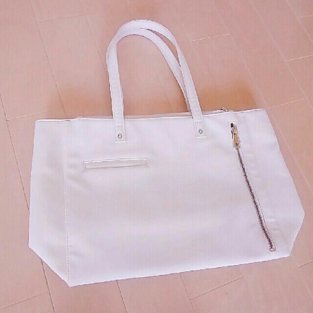 Ober Tashe(オーバータッシェ)のOber Tashe A4 トートバッグ ホワイト 美品 レディースのバッグ(トートバッグ)の商品写真