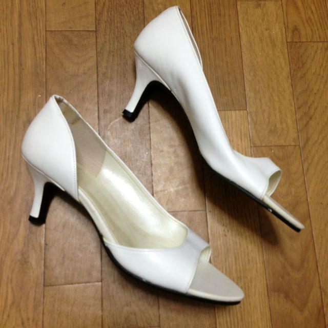 白 本革 パンプス サンダル S レディースの靴/シューズ(ハイヒール/パンプス)の商品写真