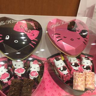 ハローキティ(ハローキティ)の送料0円 USJ クリスマス 限定 キティ チョコレート クランチ(菓子/デザート)