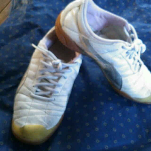 プーマ スニーカー 白×シルバー 23センチ  レディースの靴/シューズ(スニーカー)の商品写真