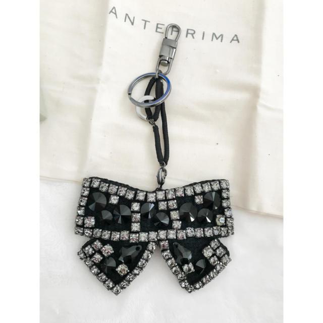 ANTEPRIMA(アンテプリマ)のアンテプリマ リボンキーチャーム 黒 ハンドメイドのファッション小物(バッグチャーム)の商品写真