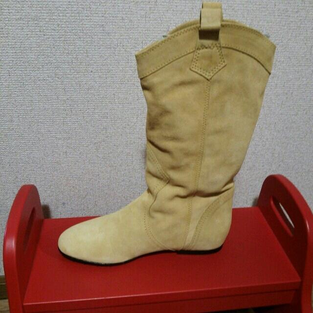 FABIO RUSCONI(ファビオルスコーニ)の未使用! ファビオルスコーニ ベージュ レディースの靴/シューズ(ブーツ)の商品写真