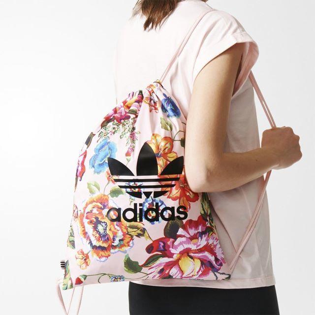 adidas(アディダス)のみんみん様専用 レディースのバッグ(リュック/バックパック)の商品写真