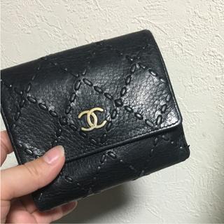 CHANEL  二つ折り財布