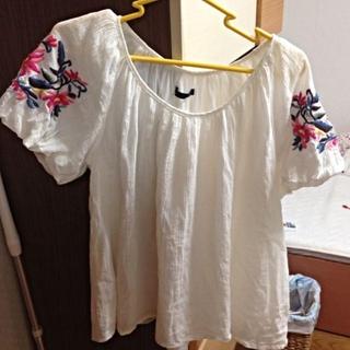 ヘザー(heather)の刺繍トップス(Tシャツ(半袖/袖なし))