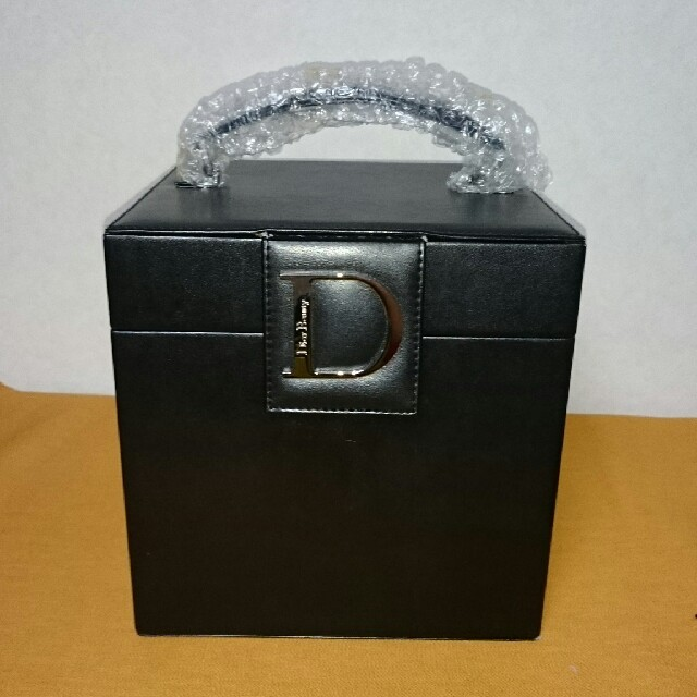 quality design 25942 a9095 Dior メイクボックス 黒   フリマアプリ ラクマ