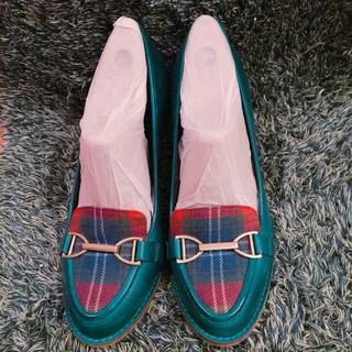クラークス(Clarks)のClarks  グリーンのパンプス(ローファー/革靴)