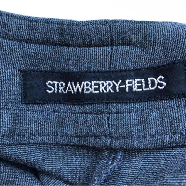 STRAWBERRY-FIELDS(ストロベリーフィールズ)のSTRAWBERRY-FIFLDS ストロベリーフィールズ ワンピース グレー レディースのワンピース(ひざ丈ワンピース)の商品写真