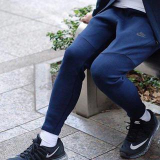 ナイキ(NIKE)の【新品未使用】【M】Nike テックフリース スウェット tech(サルエルパンツ)