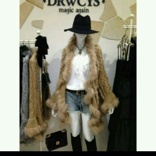 ドロシーズ(DRWCYS)の美品♡DRWCYS リアルファー ケープ(毛皮/ファーコート)