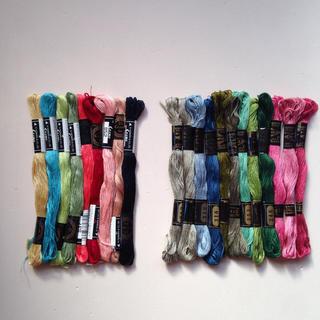 オリンパス(OLYMPUS)の刺繍糸 21本 OLYMPUS COSMO(生地/糸)
