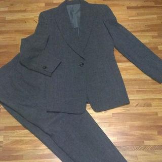 ギンザマギー(銀座マギー)の美品!銀座マギー濃グレーサマーウールパンツスーツ40 11(スーツ)
