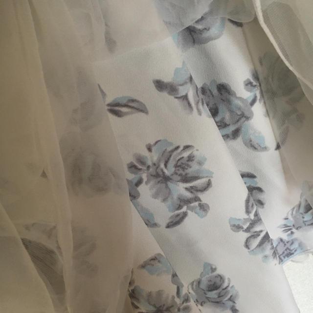 one after another NICE CLAUP(ワンアフターアナザーナイスクラップ)のNICE CLAUP 花柄チュールスカート レディースのスカート(ミニスカート)の商品写真