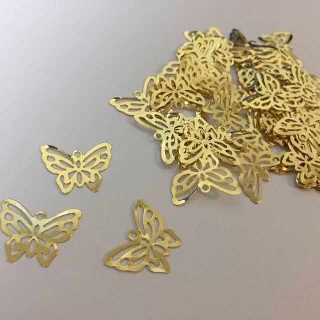 (JA0314) 透かしパーツ (小) 蝶型 22x20mm 50枚 ゴールド ハンドメイドの素材/材料(各種パーツ)の商品写真