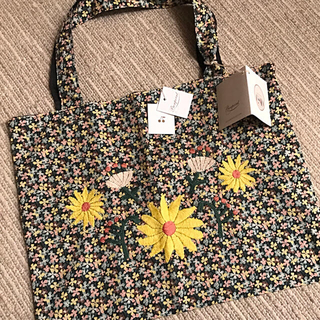 ボンポワン(Bonpoint)のボンポワン×csao 17SS リバティ柄 刺繍バッグ 新品(レッスンバッグ)