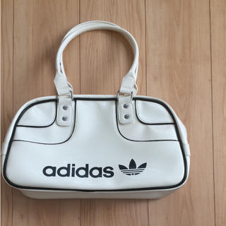 アディダス(adidas)のadidas originals エナメルボストンバッグ(ボストンバッグ)