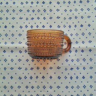 イッタラ(iittala)のカステヘルミ ブラウンのカップ(グラス/カップ)