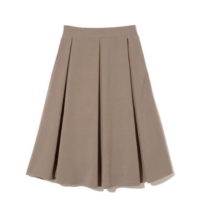 GRL(グレイル)のGRL ピーチスキンタックフレアスカート レディースのスカート(ひざ丈スカート)の商品写真