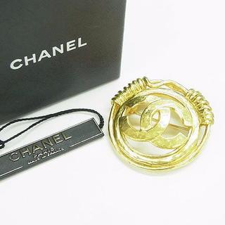fd8fe4fea726 シャネル(CHANEL)のシャネル CHANEL 大型ココマークブローチ 94P 箱あり S22026(