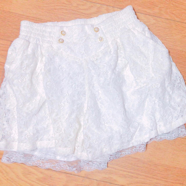 momo 白レース キュロットスカート♡ レディースのパンツ(キュロット)の商品写真