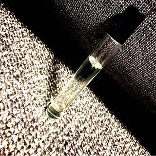 ジュリーク(Jurlique)のジュリーク ロールオン フレグランスロール エッセンスオブローズ(香水(女性用))