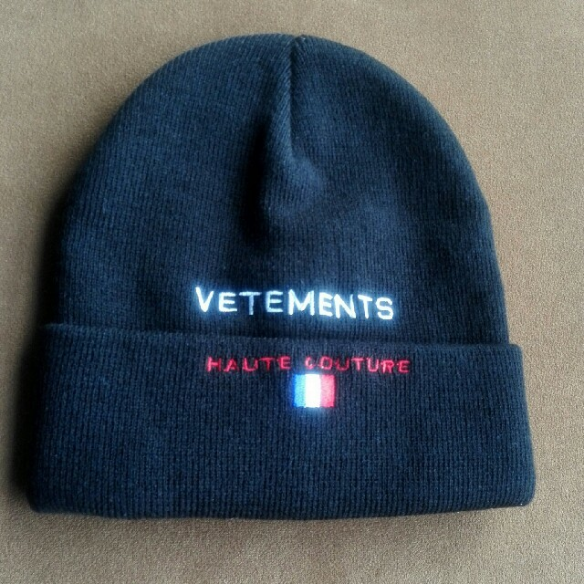 VETEMENTS Reebok Edition Haute Couture 帽 メンズの帽子(ニット帽/ビーニー)の商品写真