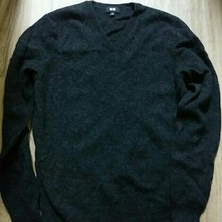 ユニクロ(UNIQLO)の【超美品】ユニクロ ウール100% Vネックセーター(ニット/セーター)