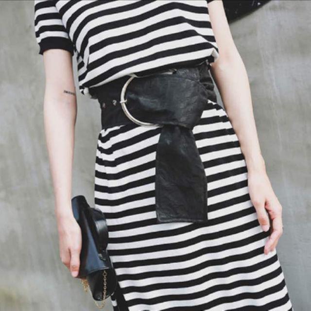 新品未使用!インパクト大!11㎝のビッグベルト ♯ブラック レディースのファッション小物(ベルト)の商品写真