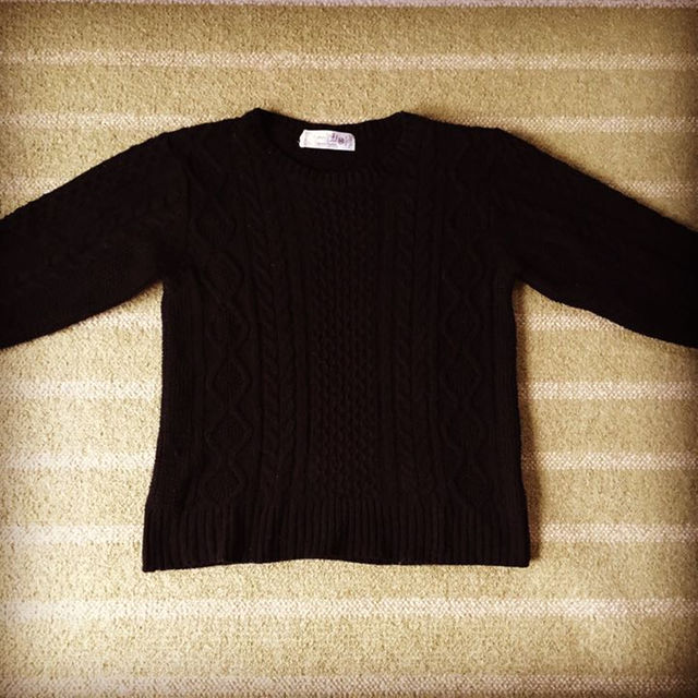 a.v.v(アーヴェヴェ)の【送料込】Grand Leaf|ケーブル編み ニット セーター ブラック メンズのトップス(ニット/セーター)の商品写真