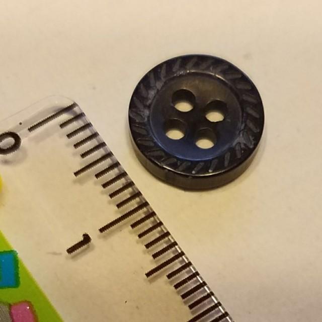 手芸 ぼたん 黒 1cm マリンテイスト ハンドメイドの素材/材料(各種パーツ)の商品写真