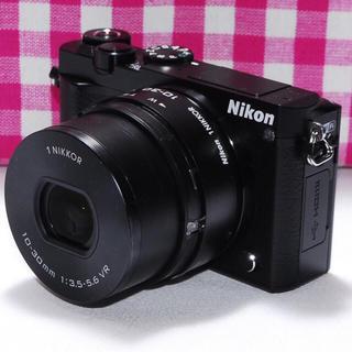 ニコン(Nikon)の❤Wi-Fi&自撮り最新モデル❤Nikon 1 J5 レンズキット♪(ミラーレス一眼)