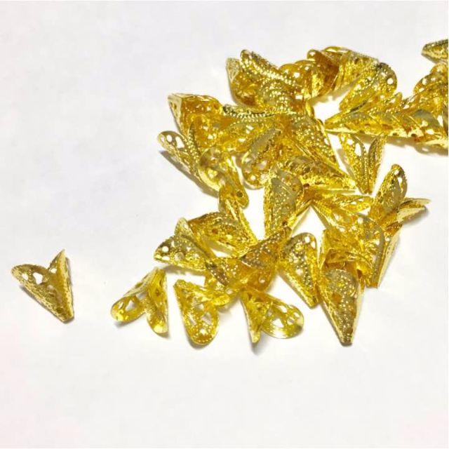 (50個) 透かし座金 ビーズキャップ(15x10mm 扁) - ゴールド ハンドメイドの素材/材料(各種パーツ)の商品写真