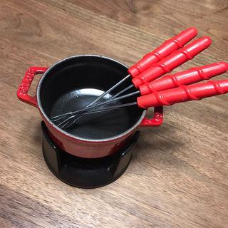 ストウブ(STAUB)の[なおすけ様専用 新品未使用]ストウブ ミニフォンデュセット チェリー(調理道具/製菓道具)
