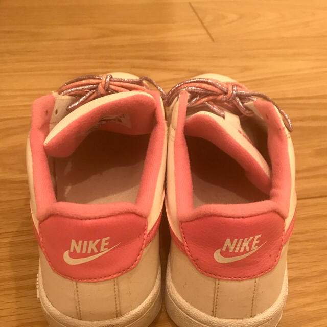 NIKE(ナイキ)のナイキ スニーカー ピンク レディースの靴/シューズ(スニーカー)の商品写真