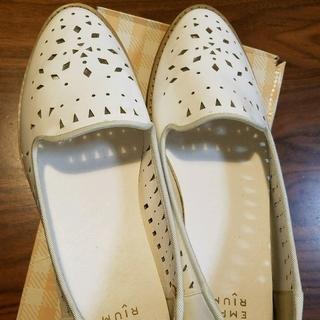 ジエンポリアム(THE EMPORIUM)のTHE EMPORIUM パンチングエナメルローファー(ローファー/革靴)