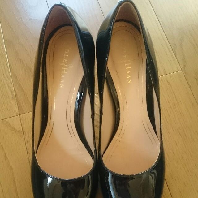 Cole Haan(コールハーン)のコールハン 黒エナメルパンプス レディースの靴/シューズ(ハイヒール/パンプス)の商品写真