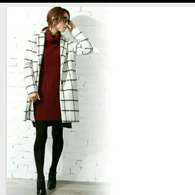 新品 チェスターコート チェック柄 オフホワイト レディースのジャケット/アウター(チェスターコート)の商品写真