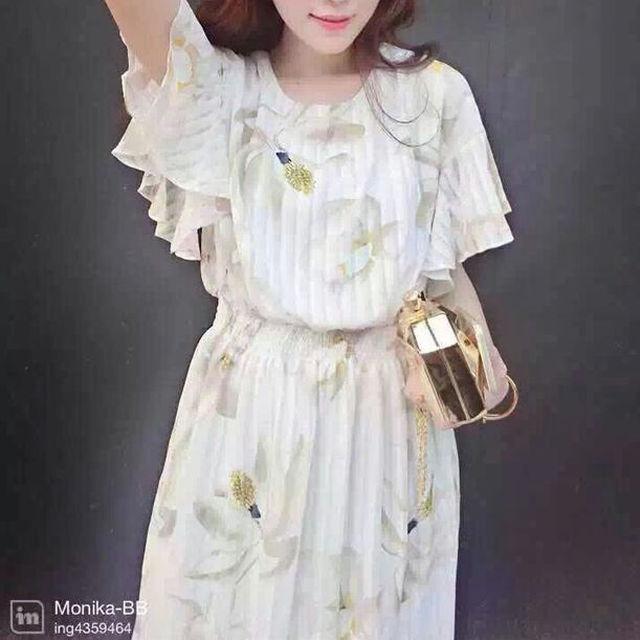 花柄白ワンピース☆ レディースのトップス(チュニック)の商品写真